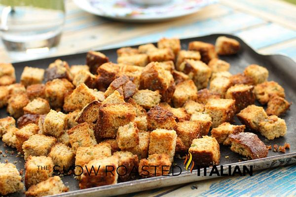 How to Make Homemade Garlic Croutons | Rhonnies recipes | Pinterest