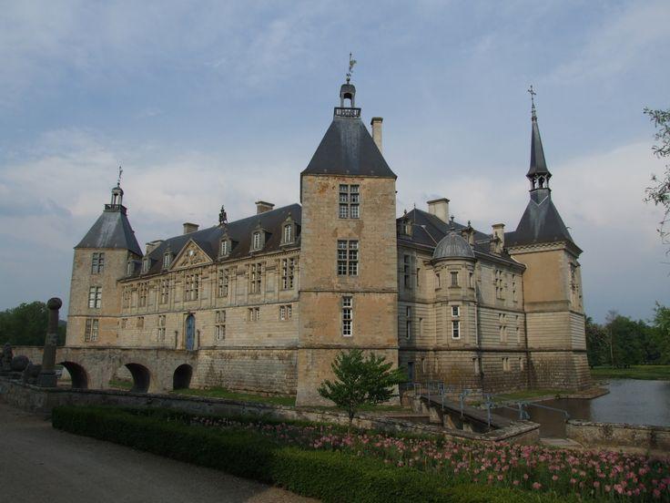 Chateau_de_Sully bourgogne
