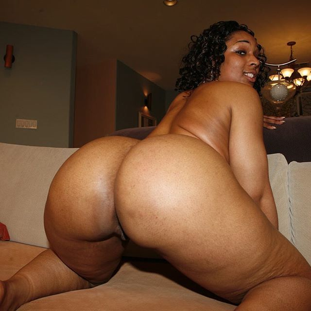 Phat ass ebony takes cock