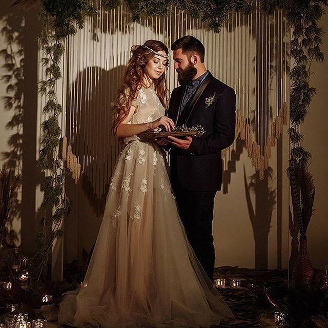 Студия декора Весна. @topwedding73:Нежное солнечное утро невесты  Организация: @svetlananaumovaershova @topwedding73  Фотограф: @natashenkagrechka  Видеограф: @kirillgolovko  Декор и флористика: @decor.vesna . Интерьерная студия : @fotostudio.vesna #bohodecor #weddingideas #weddingflowers #weddingdecoror #boho #bohointeriors #bohoflowers #bohowedding #weddinginspiration #marriage