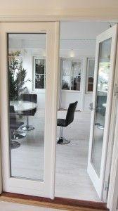 Pardörrar från Kronfönster, en pardörr i trä, aluminium eller pvc.  Pardörrar från Kronfönster. Underhållsfria fönsterdörrar pardörrar i pvc, trä, trä med aluminiumbeklädnad eller helt i aluminium. En Pardörr från Kronfönster kan fås i alla färger och former. Med 2 eller 3 glas.