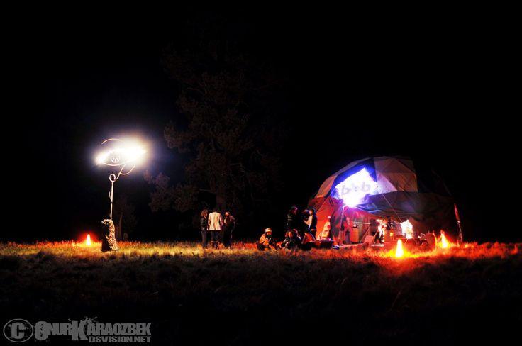 Bean Bag Babylon cranks up for the night in 2012. Pic: Onur Karaozbek http://dsvision.net/