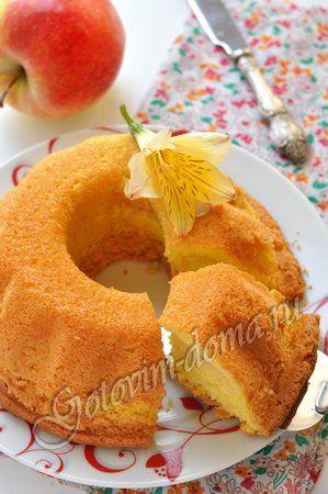 Рецепт: Шарлотка с яблоками