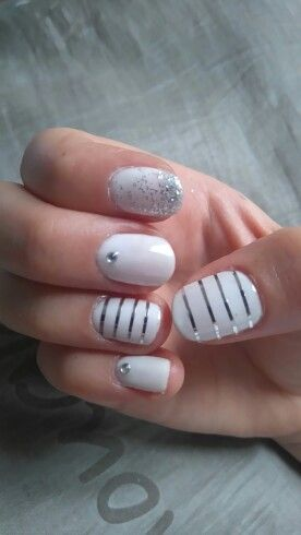 White and silver gel nails