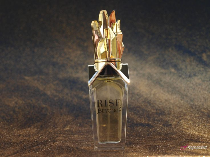 Beyonce Rise- perfume review  on fragrascent.pl #perfume #fragrance #beauty #beyonce #rise #review #perfumy #flakon #perfume_bottle #gold #golden