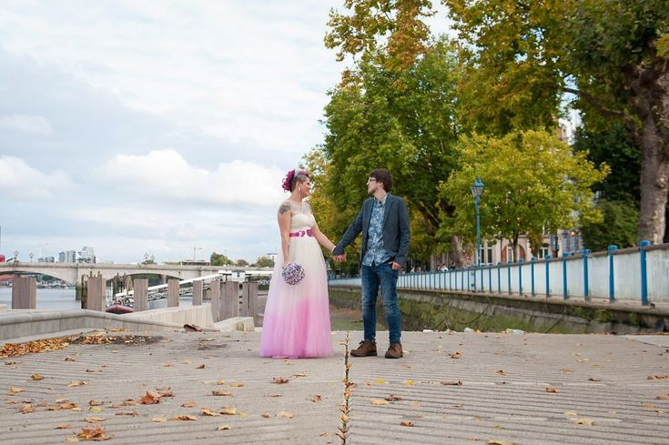 Dukes Head Wedding riverfront | Putney Wedding South London | Pink hair bride & pink dip-dyed wedding dress.