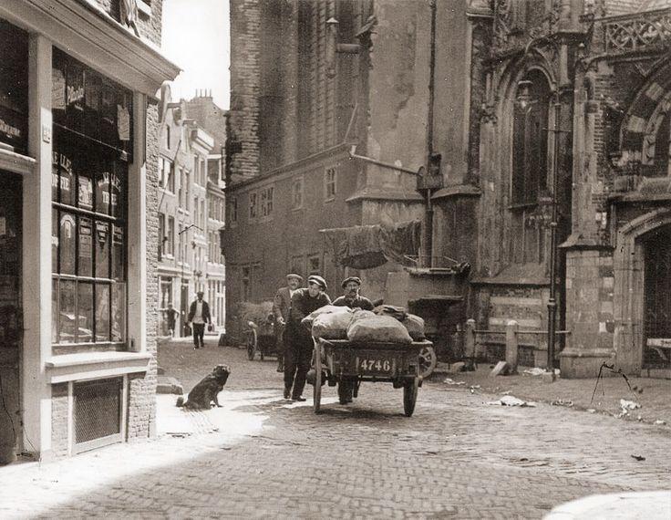 Amsterdam, Oudekerksplein, Bernhard F. Eilers