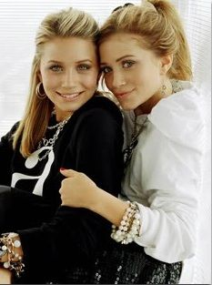 Olsen twins. Ashley(left) & Mary-Kate(right)