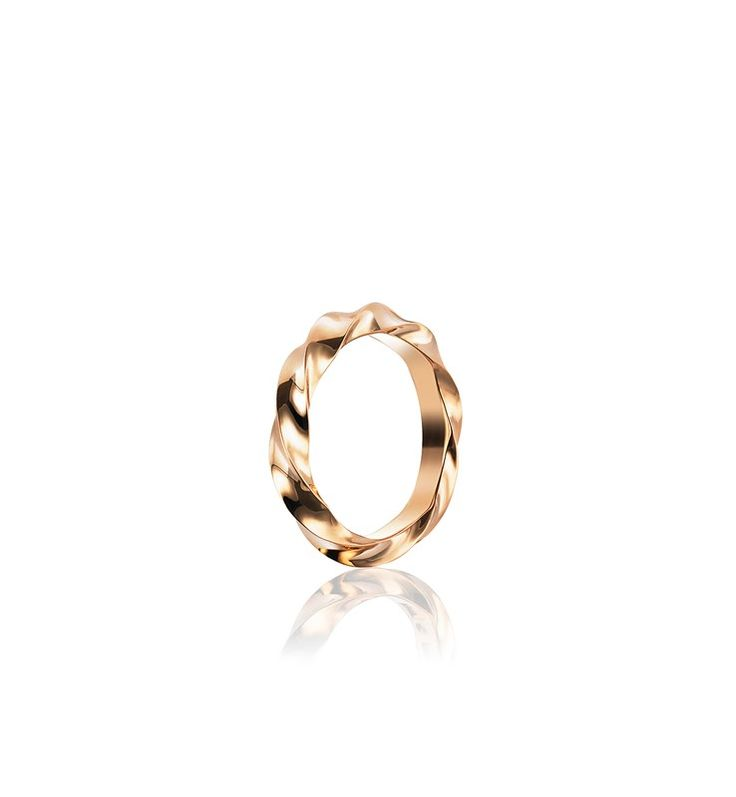 VIKING WIDE RING.  Ring in 18 k gold or white gold.  Width: 2,5 mm Height: 3,5 mm