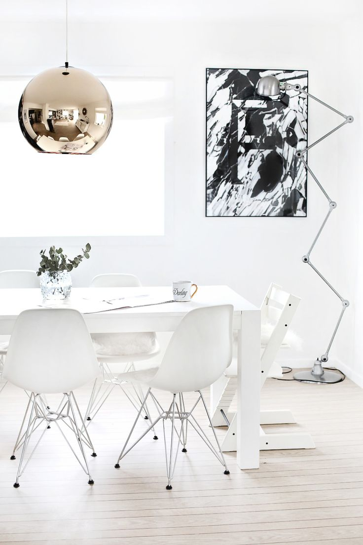 zigzag floor lamp and black and white abstract painting