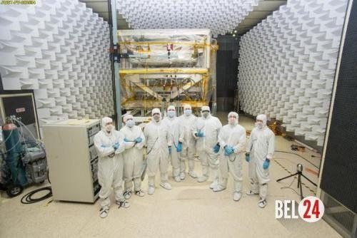 """Космический телескоп """"Джеймс Уэбб"""" проходит испытания радиоволнами.. ( Наука@Science_Newworld). Научные инструменты, которые будут установлены на борту космического телескопа """"Джеймс Уэбб"""", должны не только хорошо переносить холод космического пространства, но и б�"""