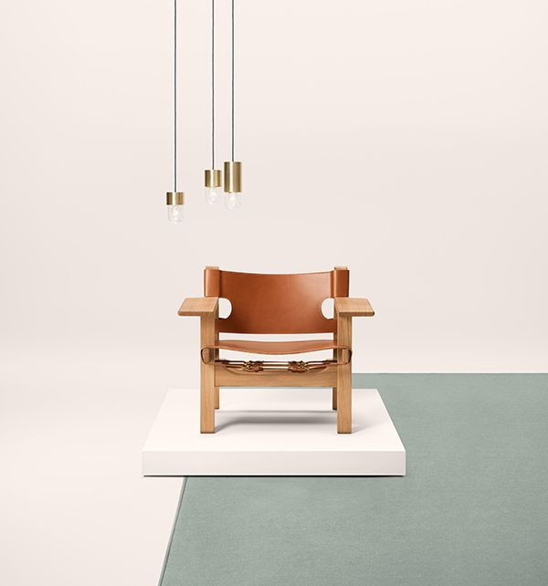 Fredericia — The Spanish Chair  by Borge Mogensen — Cognac coloured saddle leather / oiled oak / news 2015