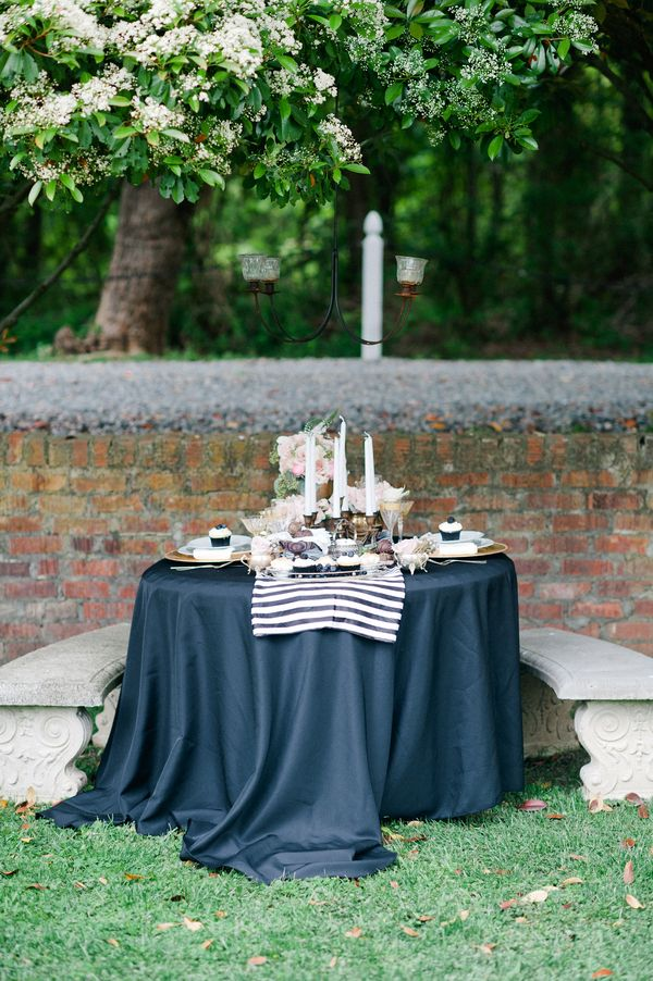 10 best images about black and white tablescape on for Black and white tablescape ideas
