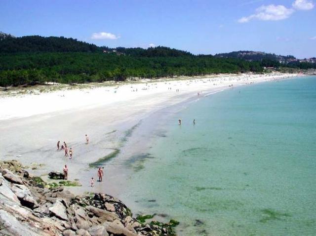 Playa de Barra, Cangas, playa nudista