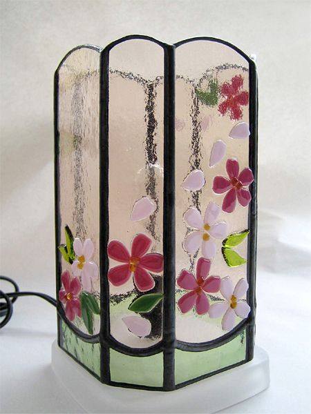 Standing Design Stained Glass Pattern cherry