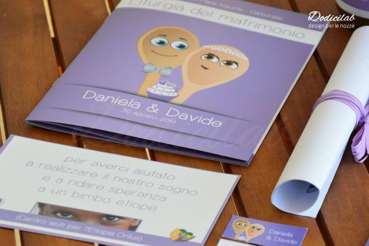 Dettaglio libretto e ringraziamento solidale wedding stationery personalizzata tema bacio rosa