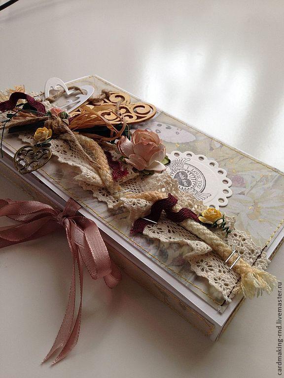 Купить или заказать Шоколадница! в интернет-магазине на Ярмарке Мастеров. Подарить всего лишь шоколадку в знак признательности, внимания или любви?? Вы скажете банально, а если в красивой и необычной упаковке, вроде шоколадницы, выполненной в индивидуальном дизайне,для конкретного человека?? Согласитесь,так звучит уже гораздо интереснее,и подарок перестает быть банальным!!! итак, моя мастерская предлагает Вашему вниманию шоколадницы ручной работы,для того,чтобы Ваши сув…