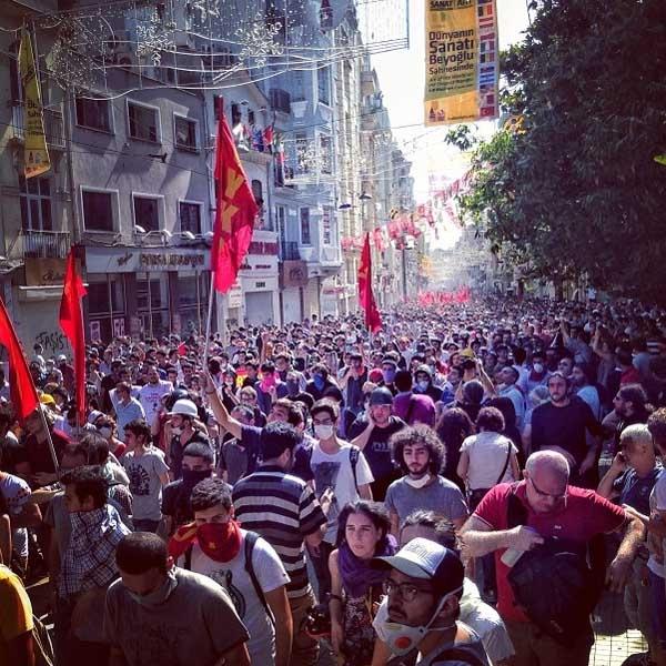 Gezi Parkı fotoğrafları: Bahçemizi koruyorduk!