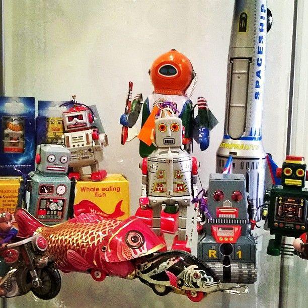 Colección robots hOjalata..