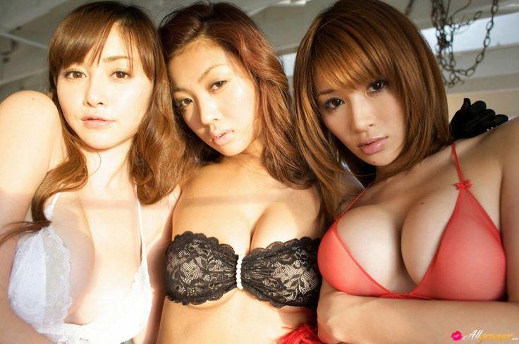 Tejima Yuu Anri Sugihara | ... Anri Sugihara, Kana Tsugihara y Yuu Tejimaen en rojo, blanco y ropa