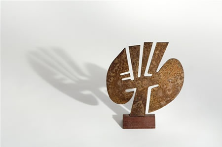 Howard Smith - 16. (HS016) Glyph, 1995, laser cut iron, h. 22 cm, w. 19 cm