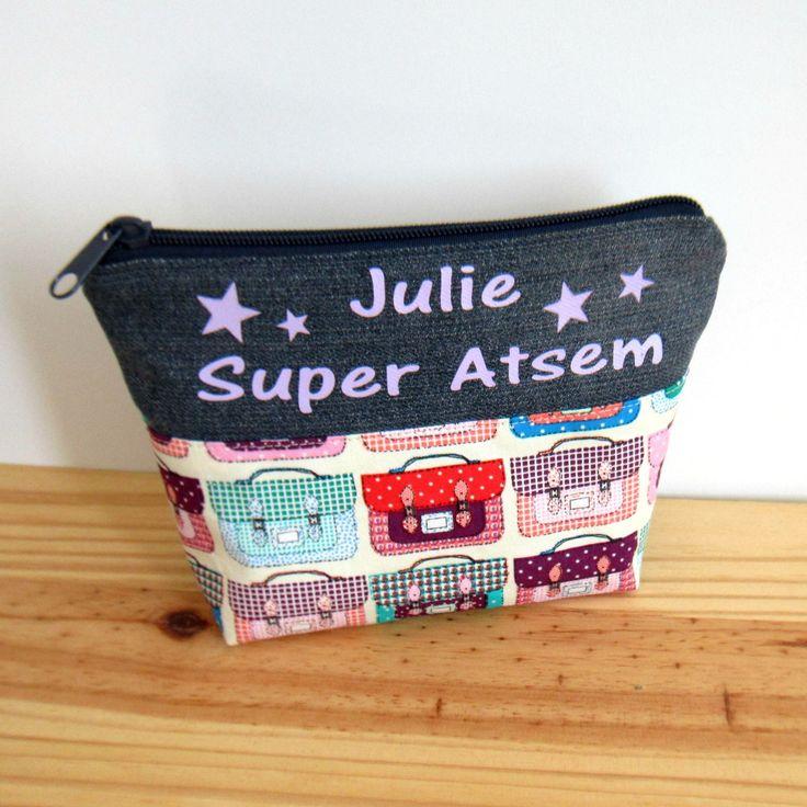 Cadeau maîtresse, atsem: trousse personnalisée en coton motifs cartables et jean's recyclé : Trousses par melkikou-upcycling