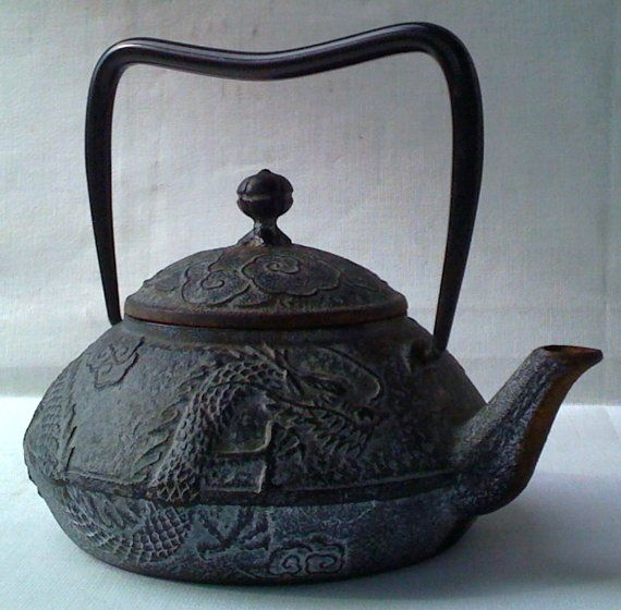 Japanese Cast Iron Metal Teapot Dragon & by FrenchMarketFinds, €40.00