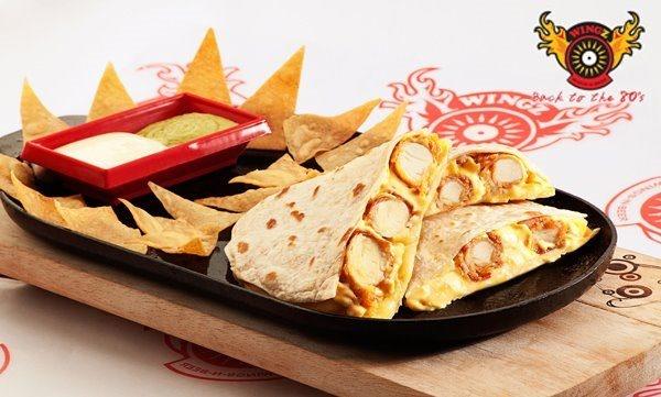 Comparte buenos recuerdos junto a unas Quesadillas con pollo en Wingz!!