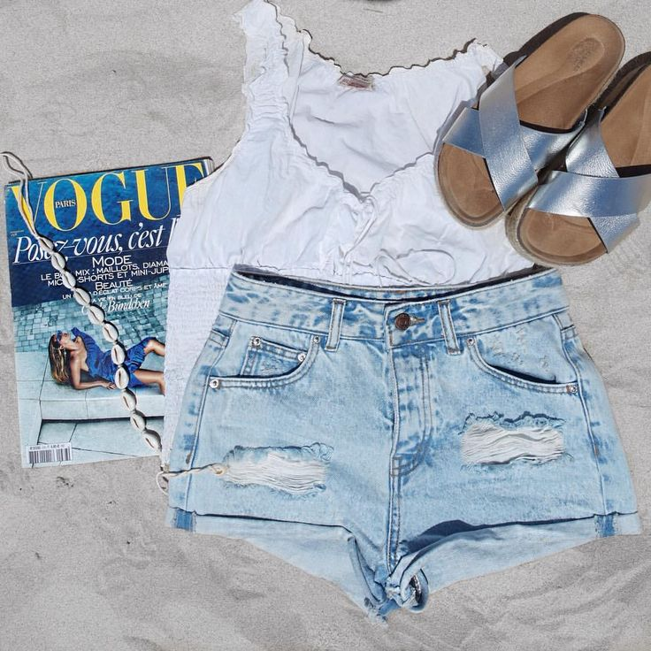"""Mi piace"": 71, commenti: 2 - Rosinha Castilho Ramalho (@rosiesaffair) su Instagram: ""Summer is definitely here 🐚☀️🌊 #ootd #beach"""