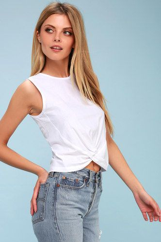 8b9c606102055 Barclay White Knotted Crop Top 1