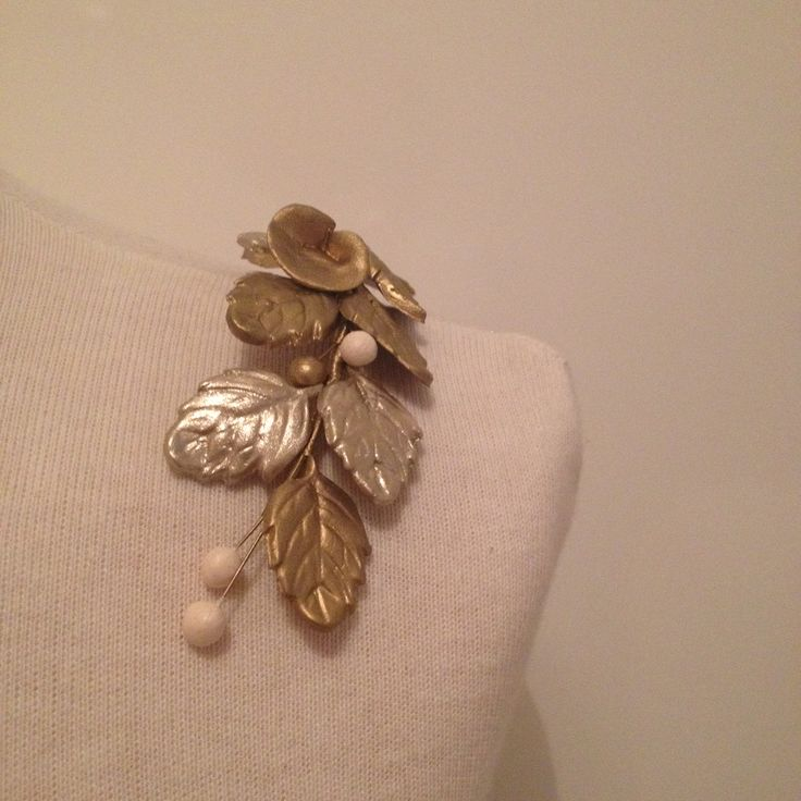 Aplique para hombros de porcelana fría en dorado, plata envejecido y nude.