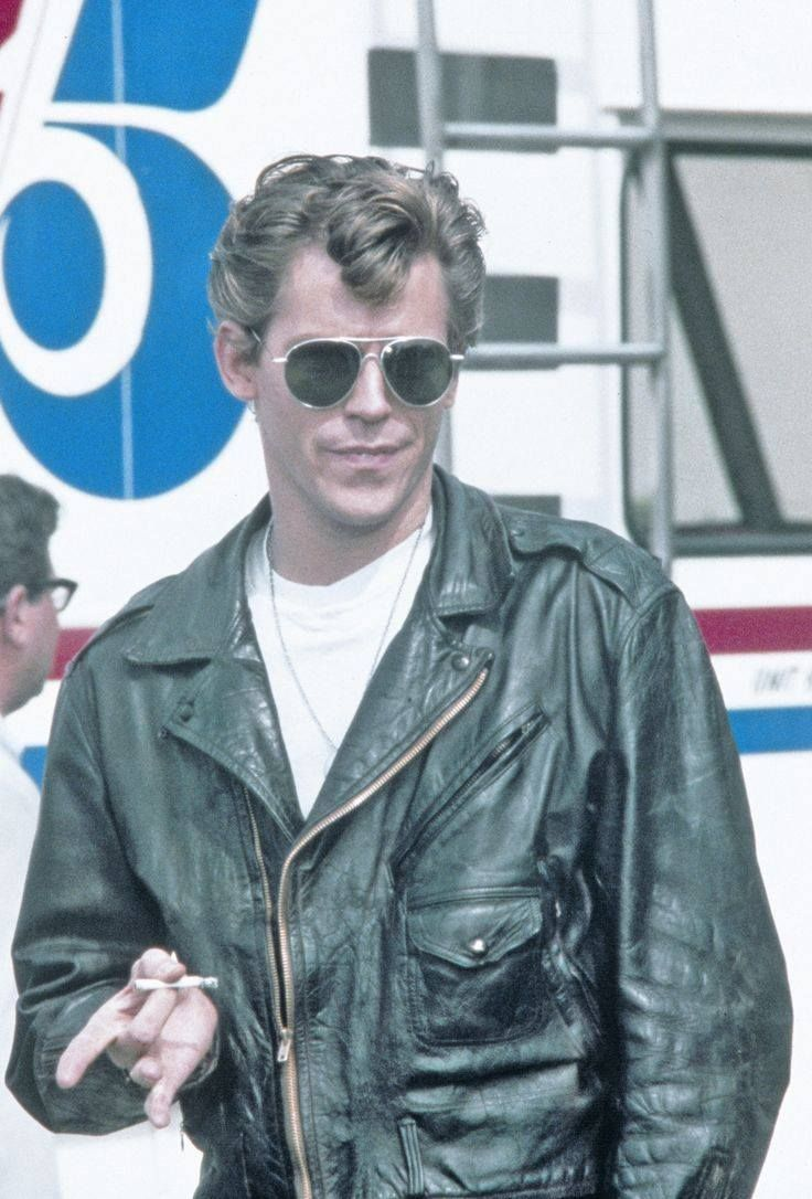Jeff Conaway  Pictured here as Kenickie in Grease (1978).  736×1 086 пикс
