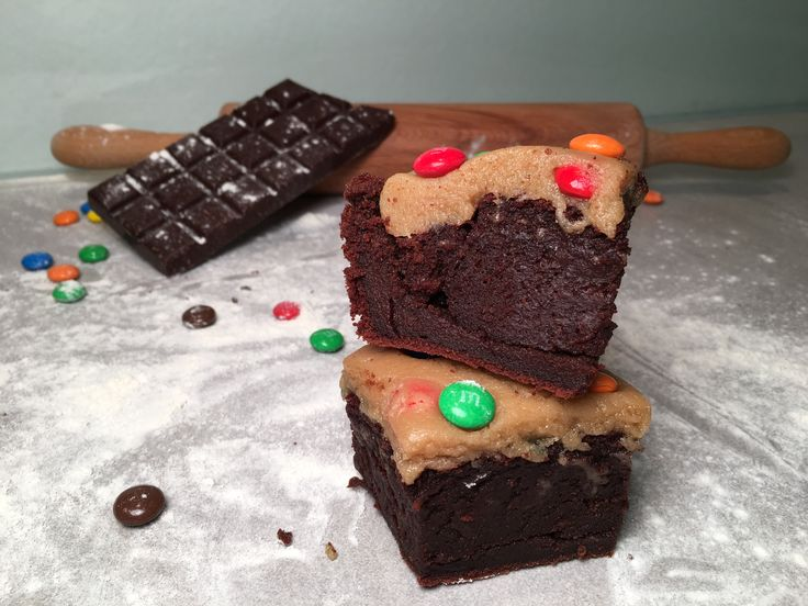 Cookie Dough (koekjesdeeg) & Brownie! Wat vind jij van deze combi? Cookie Dough liefhebbers opgelet! De eerste Cookie Dough bar van Nederland opent 23 mei!