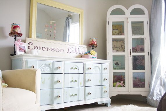 a painting tutorial : the basics and a how-to on tea stains | the handmade homePainted Furniture, Cottages Marketing, Perfect Piece, Painting Furniture, Furniture Projects, Perfect Colors, Diy, Perfect Painting, Furniture Today