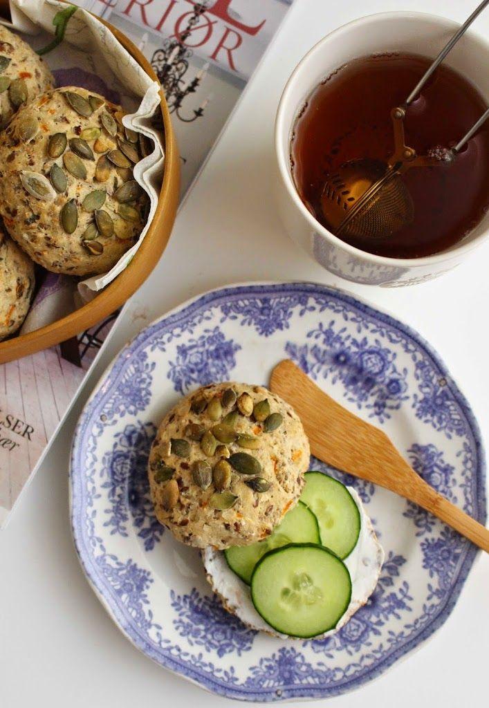 My Little Kitchen | Saftige rundstykker med gulrot og gresskarkjerner