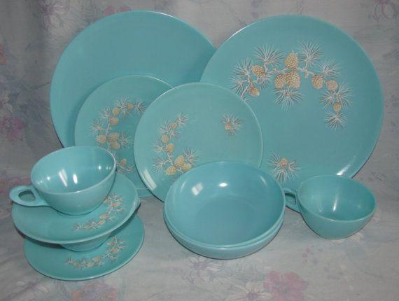 Vintage Melmac Dinnerware Set in Soft Blue/Turquoise with Pinecone Patternu2026 & 243 best Vintage u0027Melmacu0027 Aqua/Turq ??? images on Pinterest ...