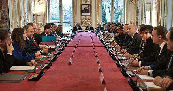 Le gouvernement veut adopter la réforme du dialogue social avant l'été