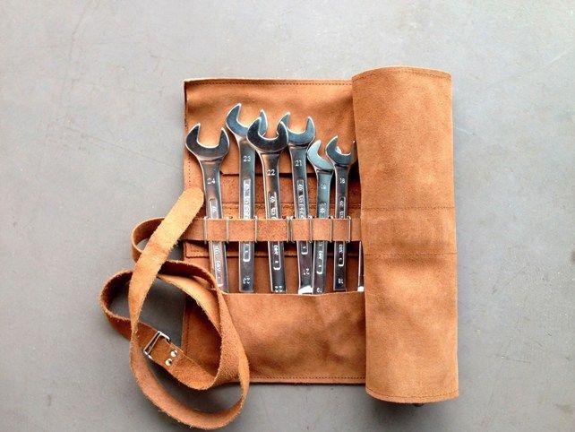 les 25 meilleures id es de la cat gorie trousse a outils sur pinterest sacs rentr e retour et. Black Bedroom Furniture Sets. Home Design Ideas