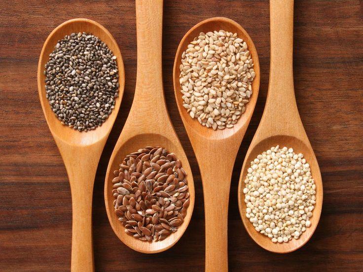 GRAINE DE CHIA Pour le système cardiovasculaire. Grâce aux fibres et aux oméga-3 qu'elle contient, la sensation de satiété est rapidement ressentie, ce qui en fait aussi un très bon coupe faim naturel. La graine de chia réduit le mauvais cholestérol et améliore le traitement du diabète. Elle favorise le transit et empêche l'irritation de la muqueuse intestinale.