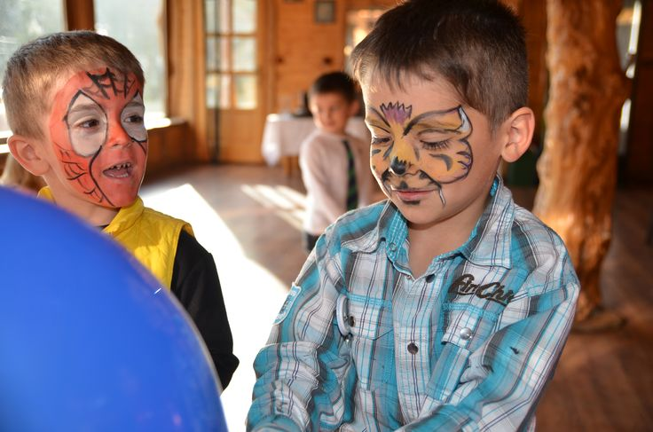 Animatori petreceri copii în Alba Iulia. Clowni, printese, Elsa, Spiderman, Batman, facepainting (pictura pe fata)  http://pingsipong.ro/animatori-petreceri/