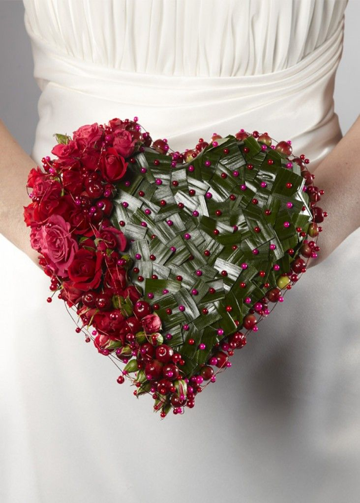 Beautiful Brides Bouquet using an OASIS® Heart Bouquet Holder