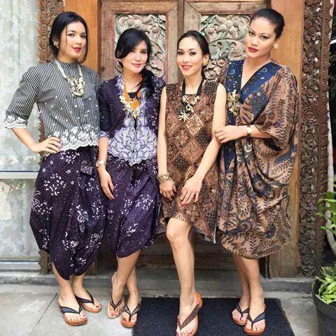 atasan kebaya & rok batik ungu