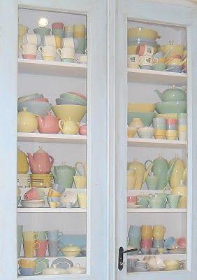 """""""allemaal kleurtjes mijn verzameling pastel servies Petrus Regout en smashbook avontuur.: Pastel servies jaren 50"""