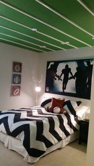 Football themed room. Best 25  Football themed rooms ideas on Pinterest   Boys football