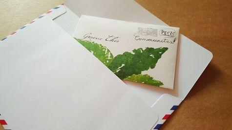 Hoe leuk is het, om met je brief een gezellig klein cadeautje mee te sturen. Dat hoeft niet altijd natuurlijk, maar zo af en toe is dat best ... #snailmail #theezakjes #gezelligepost #postcadeautje #meerleuks #Postpapierenzo #echtepostiszoveelleuker