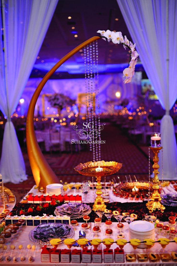 If I was invited to this wedding, I would have to be rolled home - *best dessert table*