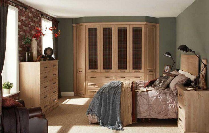 peinture chambre vert olive, dressing et commode chêne et moquette