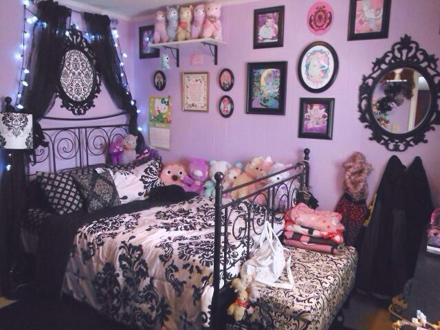 Pin By Onii Chan On Bedroom Decor Goth Home Decor Gothic Room Pastel Room