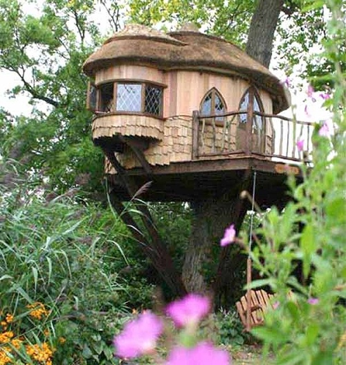 Amberly Castle Tree House, Sussex, EnglandDreams, Trees Forts, Tree Houses, Treehouse, Gardens, Trees House, Cottages, Trees Home, Places