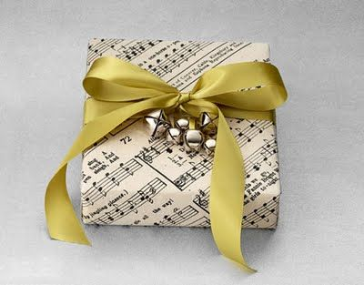 Gift wrapping: Jingle Belle, Gifts Wraps, Sheet Music, Music Sheet, Music Gifts, Christmas Wraps, Wraps Gifts, Wraps Ideas, Christmas Gifts